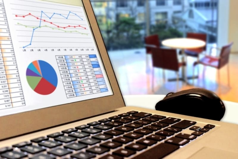 債務整理をシミュレーションしているイメージ画像