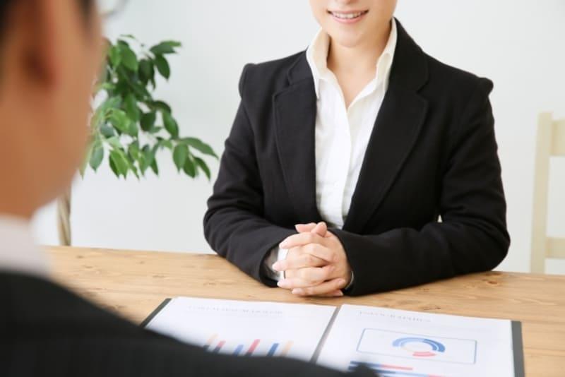 借金をまとめる事に失敗して、任意整理を弁護士に相談しているときの画像